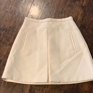 Cream color skirt in great condition
